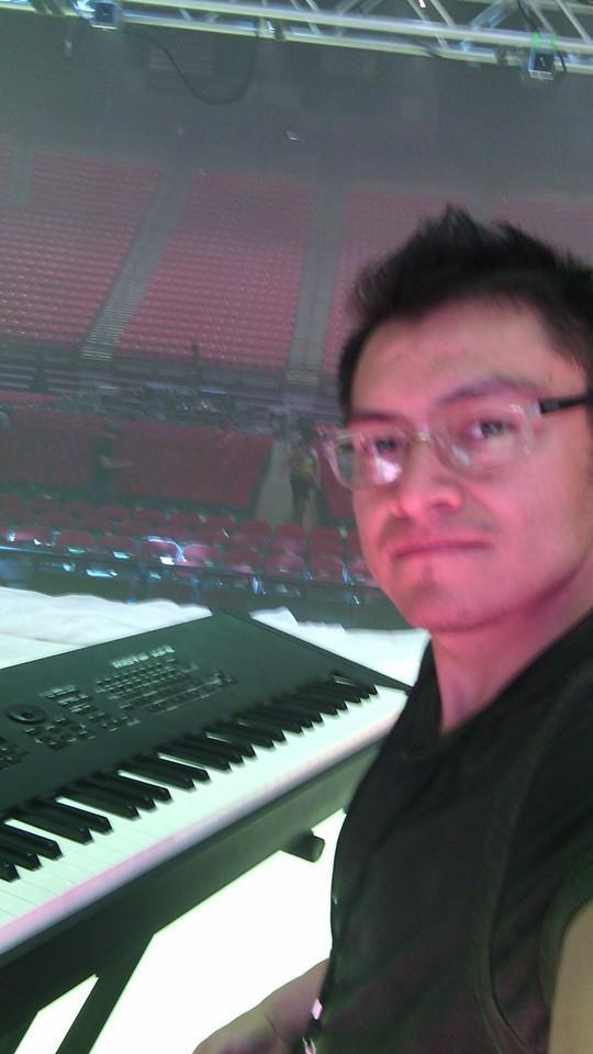 Talentoso músico huamantleco de gira con Juan Gabriel en USA