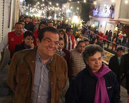 Pide Beatriz Paredes a jóvenes limpiar imagen de políticos