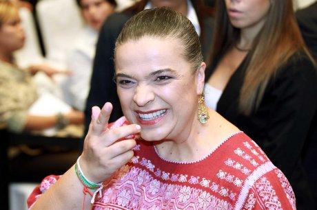 Dicen que Beatriz Paredes anda tras candidatura al Senado