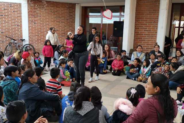 Biblioteca Nocturna de Xicohtzinco fortalece lazos familiares entre padres e hijos