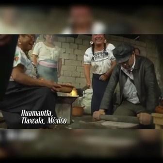 Vista el actor Bruno Bichir al pueblo mágico de Huamantla