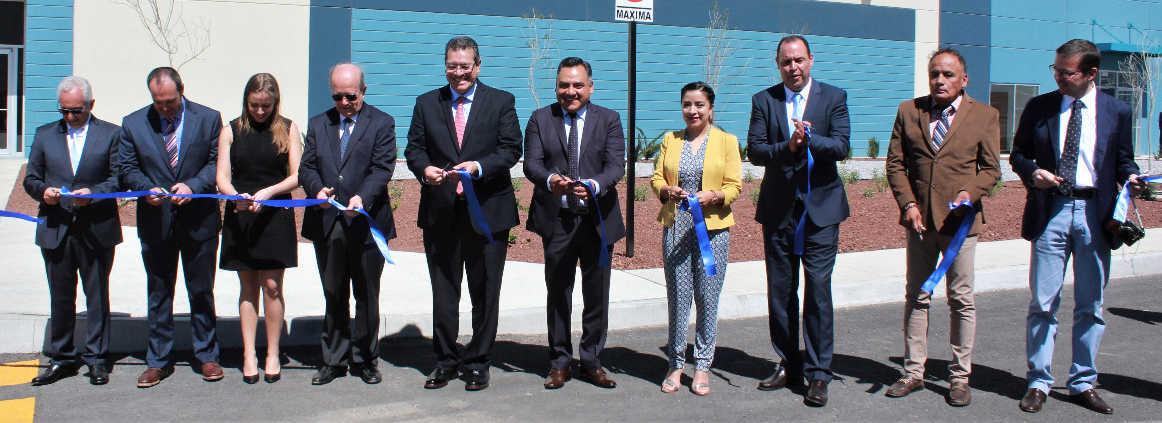 Inauguran en Tetla Industrias BM dedicada a producir componentes plásticos