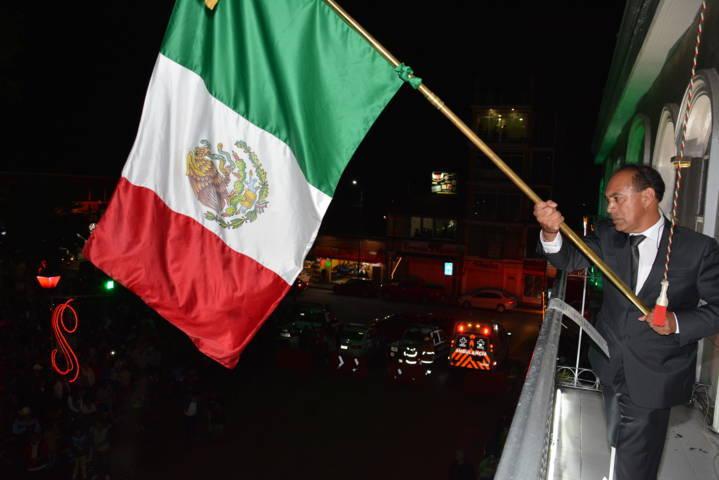 Alcalde de Zacatelco Conmemora el 207 aniversario de la Independencia