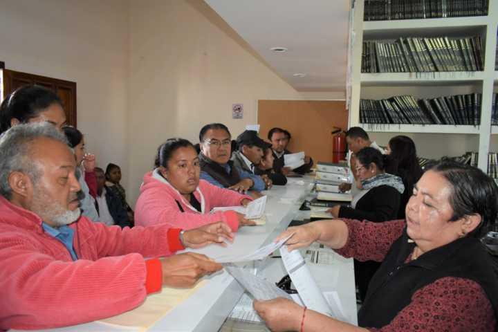 Ayuntamiento apoyó a estudiantes de escasos recursos con actas gratuitas
