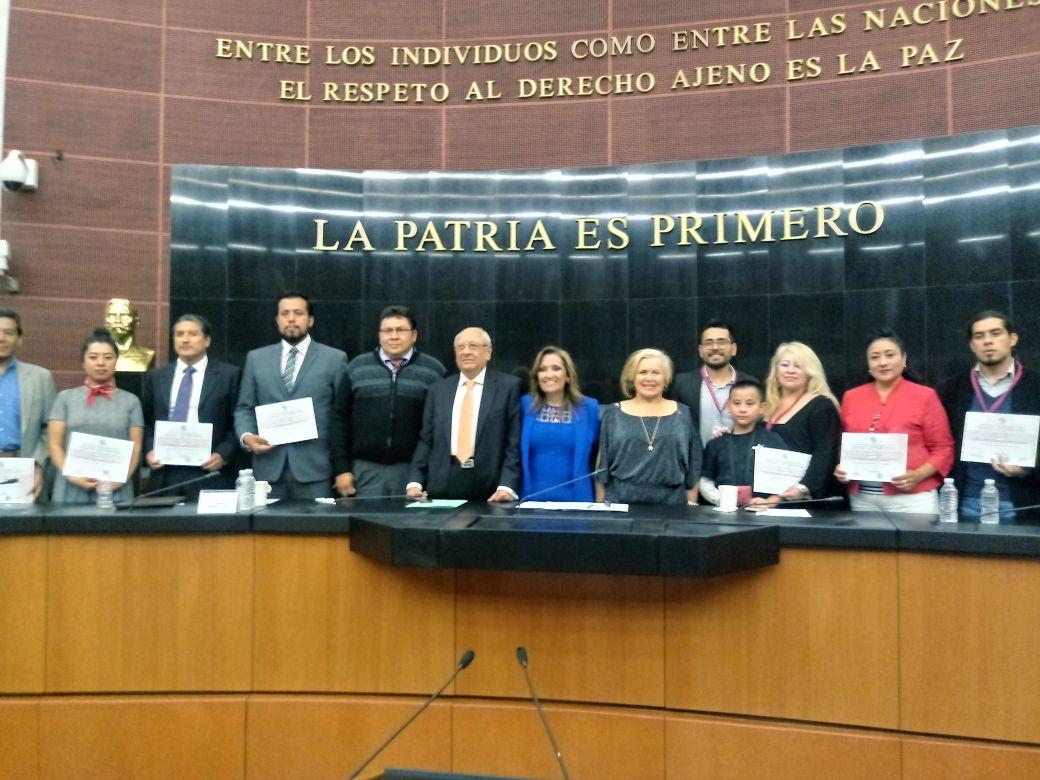 Senado de la República reconoce a periodistas de Tlaxcala