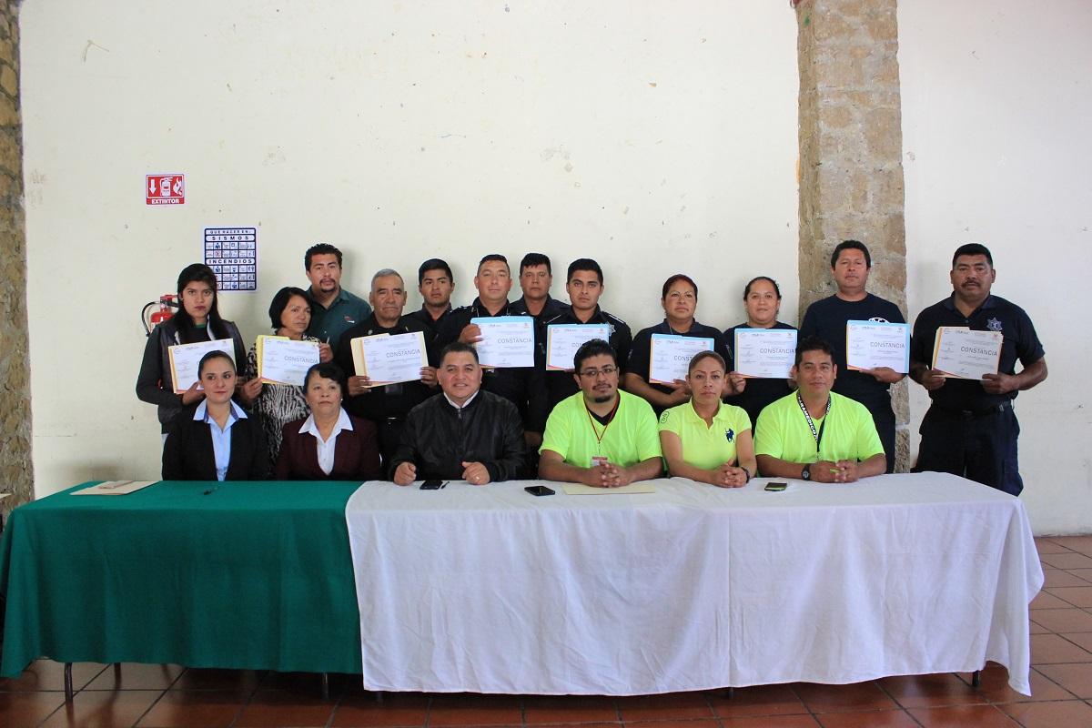 Reciben funcionarios de Apetatitlán curso de primeros auxilios