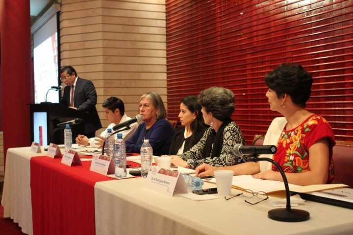 Llaman especialistas a abrir espacios de participación política a comunidades indígenas