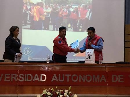 Participan bomberos de Tlaxcala  en jornada de protección civil y gestión de riesgos