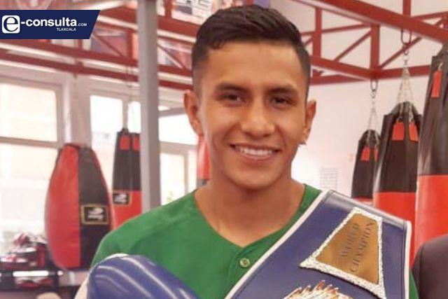 Visita campeón mundial tlaxcalteca gimnasio ubicado en Ocotlán