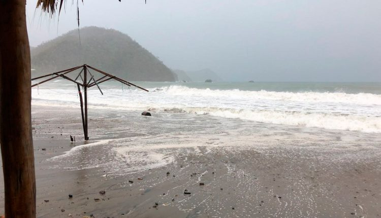 Esta tarde la tormenta tropical Bud se ubicó a 240 km al este-noreste de Isla Socorro, Colima