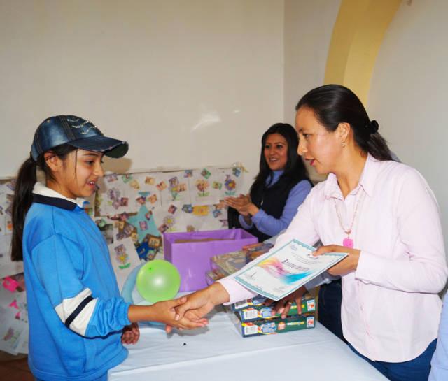 Clausura SMDIF Calpulalpan taller de Familia y Buen Trato