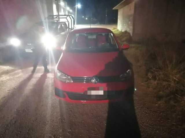 Recuperan un vehículo que fue robado en Tlaxco