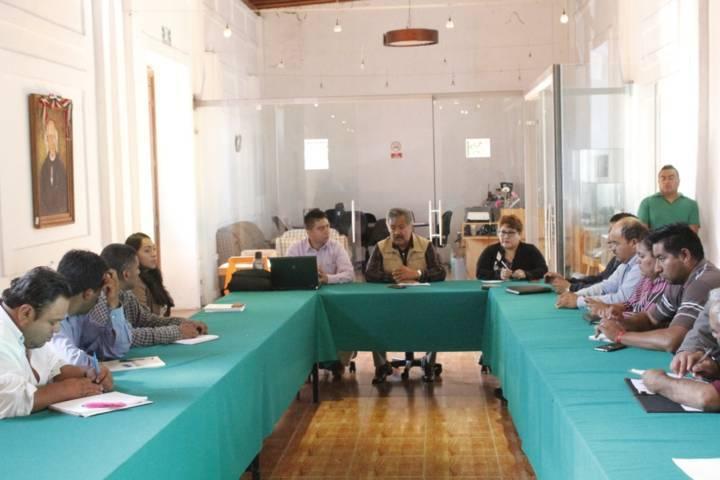 Alcalde busca mecanismo para ofertar más empleos a las comunidades
