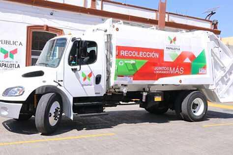 Integra Papalotla un camión compactador a la recolección de basura