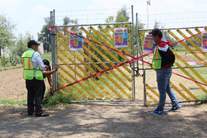 Con sanitización y acordonamiento de espacios públicos Tepetitla refuerza medidas por COVID-19