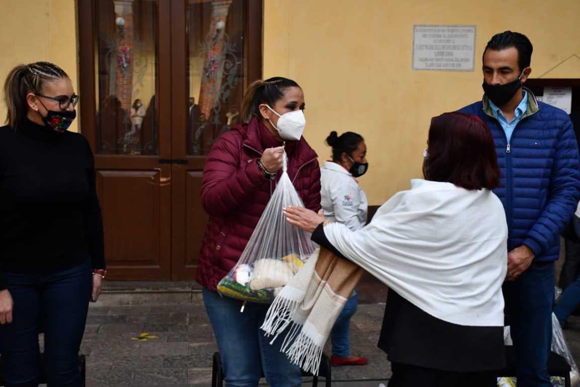 Inicia entrega de despensas a mujeres de Tlaxco