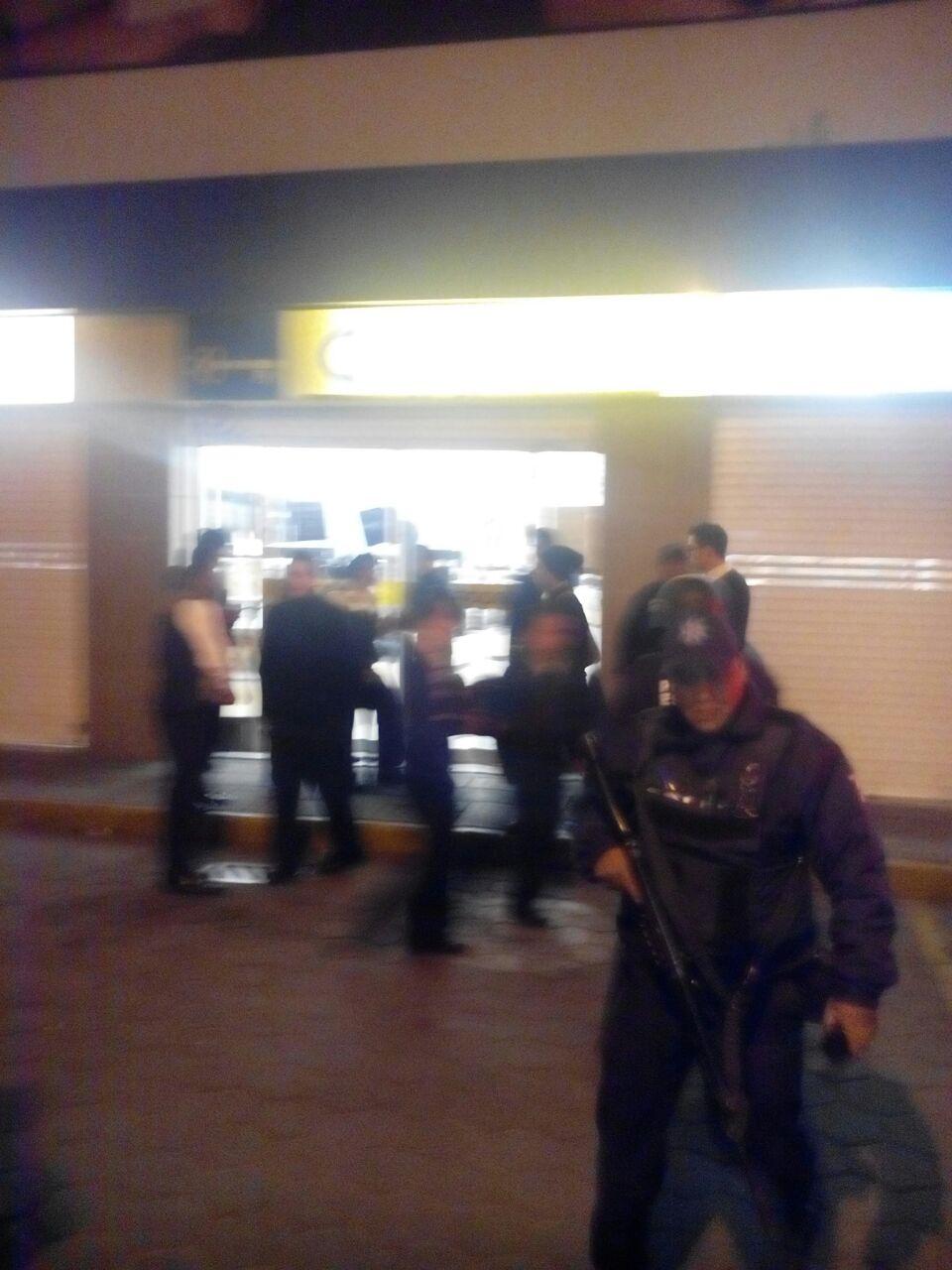 Asegura CES a tres personas por robo en Chiautempan