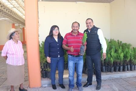 Aprovecha municipio de Chiautempan lluvias para campaña de reforestación
