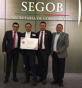 Recibe alcalde de Chiautempan reconocimiento del INAFED