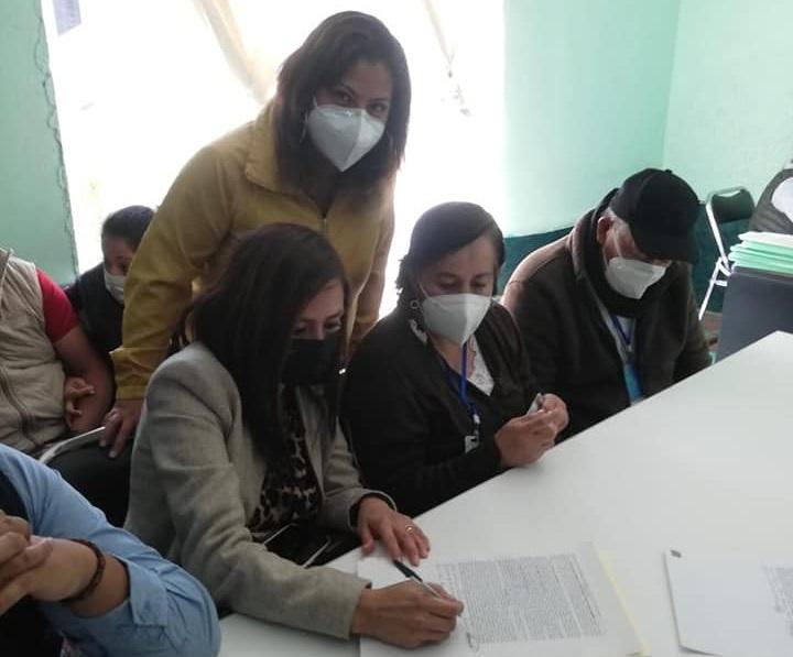 Gabriela Brito sigue beneficiando familias con el programa de escrituración