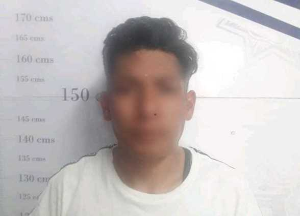 Mujer policía detiene a sujeto que le robó a un menor en Apizaco