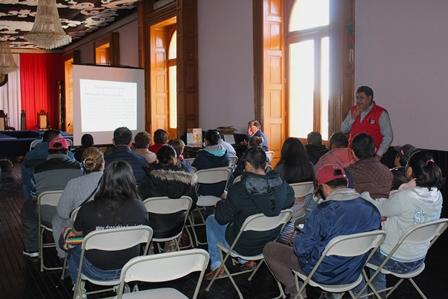 COEPRIST ofrece pláticas a vendedores de comida de Calpulalpan