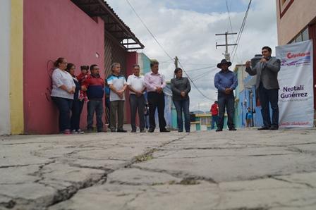 Una comunidad con servicios básicos mejoran su vida: alcalde