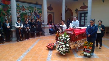 Dan amigos último adiós a pionera de SMDIF Calpulalpan