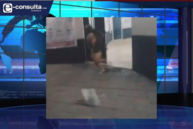 Policías calzonudos son obligados a cosas raras por alcalde de Zacatelco