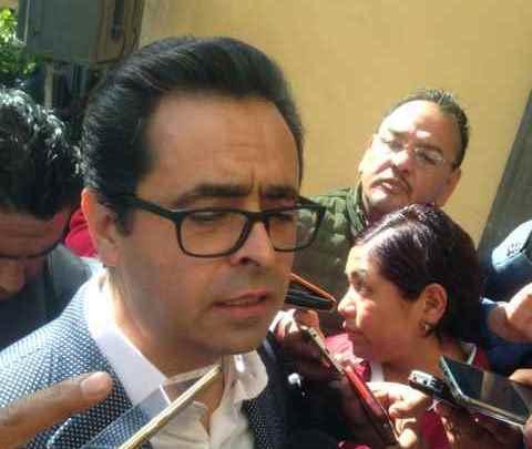 Accede SEPE y Manuel Camaco a peticiones de manifestantes