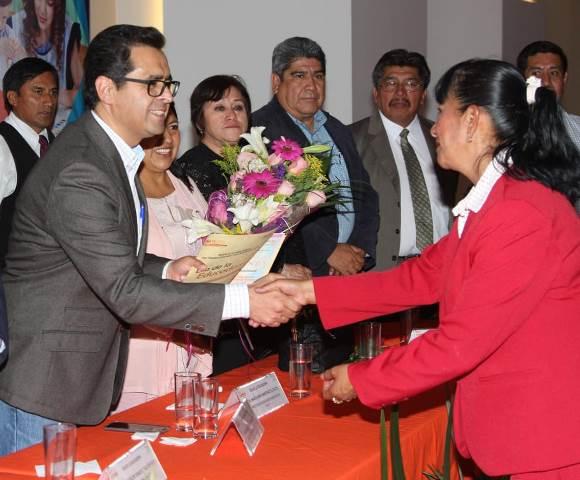Autoridad y sindicato reconocen esfuerzo de educadoras tlaxcaltecas