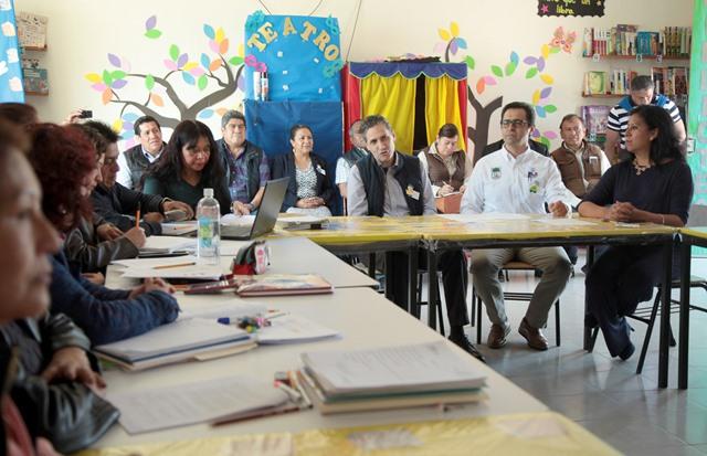 Supervisan autoridades sesión del consejo técnico escolar