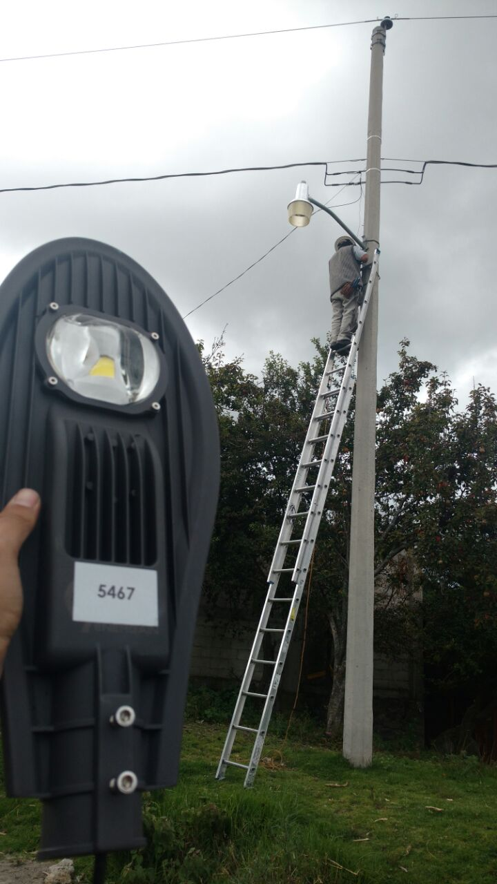 Concluye programa de cambio de luminarias con tecnología leds