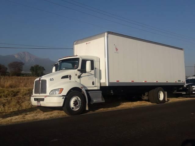 Policía evita robo de un tractor agrícola y recuperan camión con reporte de robo