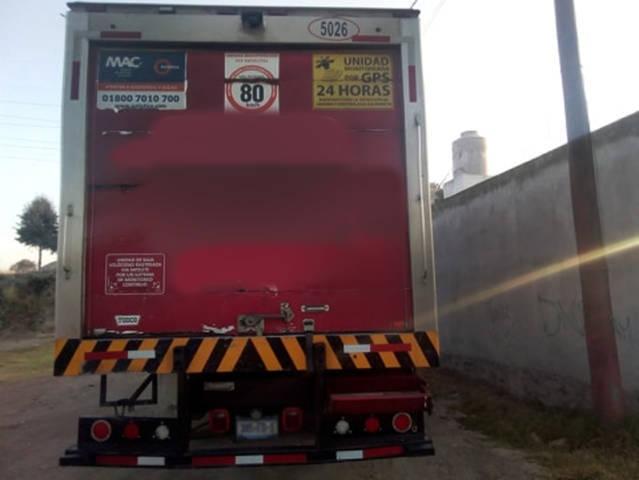 Policía municipal en recorrido ubican camión de carga con reporte de robo
