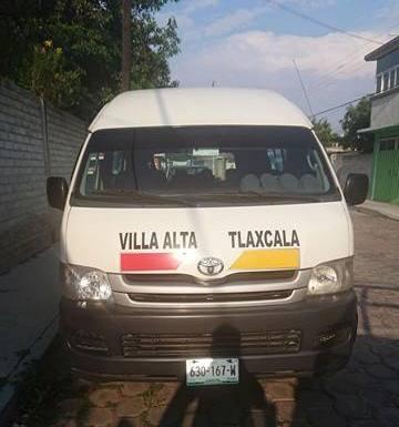 Policía de Panotla frustra robo de camioneta de transporte