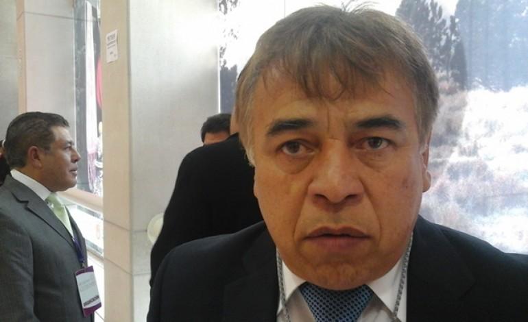 Desesperado Héctor Mejía por dejar a su sobrina en la Canaco Chiautempan