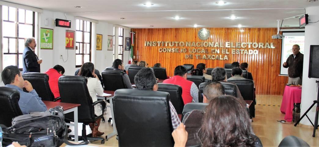 INE Tlaxcala capacita a voluntariado de la Consulta Infantil y Juvenil 2018