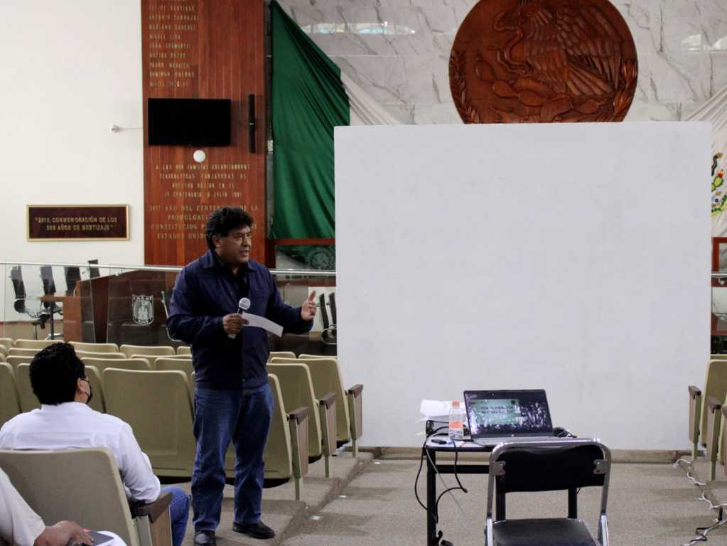 Apoya Vicente Morales con capacitación a presidentes municipales del Distrito V
