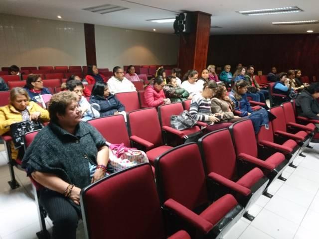 Capacitan a docentes de la capital en materia de Protección Civil