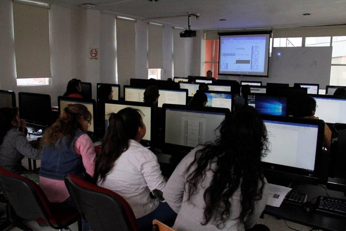 Ofrece comuna capitalina programas educativos