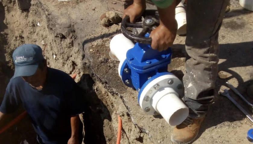 Instala Comisión de Agua de Zacatelco, válvulas de presión para el abastecimiento