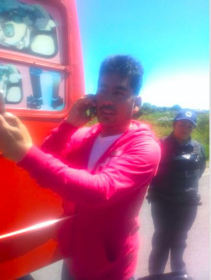 Supuesto periodista agrede a policías en Apizaco