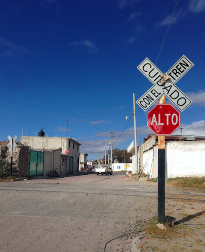 Atracan tráiler de PVC en Tequexquitla