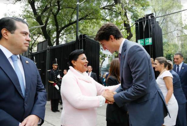 Integra Martha Palafox comitiva de recepción de ministro canadiense