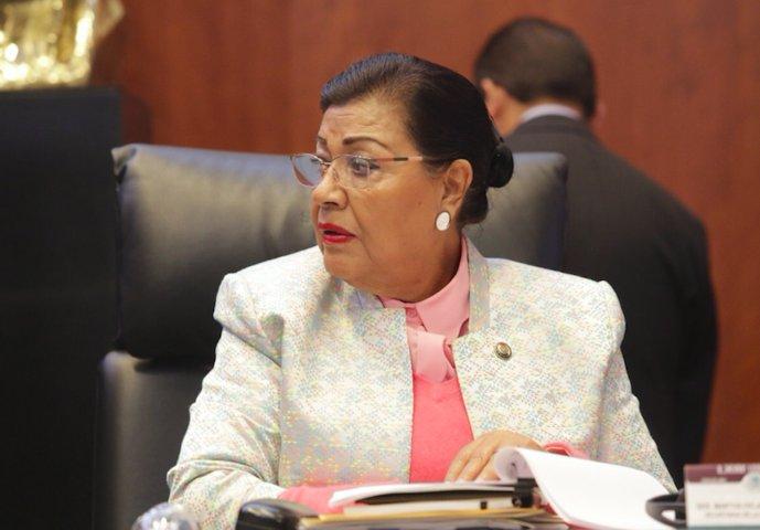 Nombran a MPG secretaria de la comisión de salud en el Senado