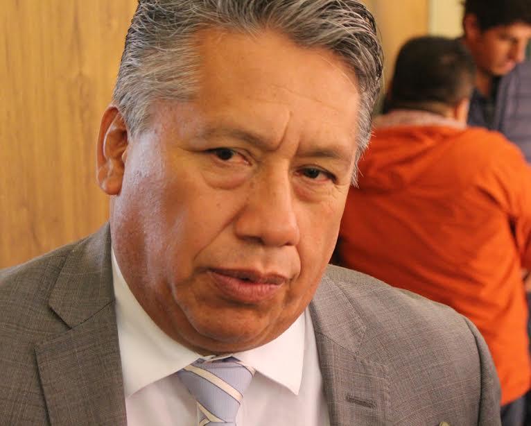 Advierte J. Carmen desdén al legislativo y opacidad de Camacho hacia magisterio