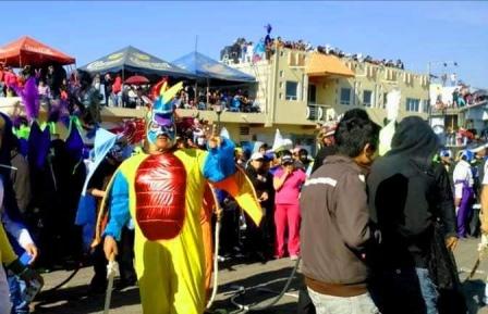 Detona hombre arma de fuego en carnaval de Tenancingo