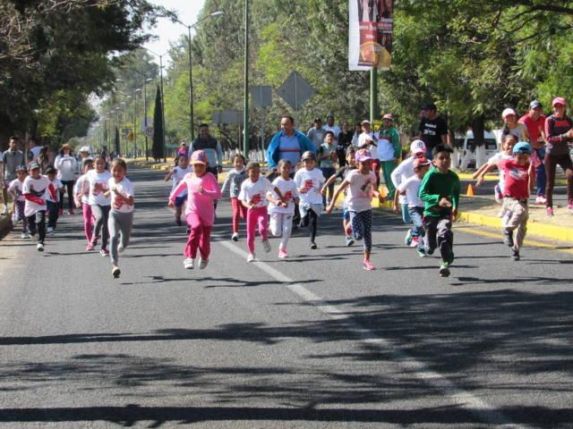 Se congregan cientos en la Carrera de la Mujer del ayuntamiento de Tlaxcala