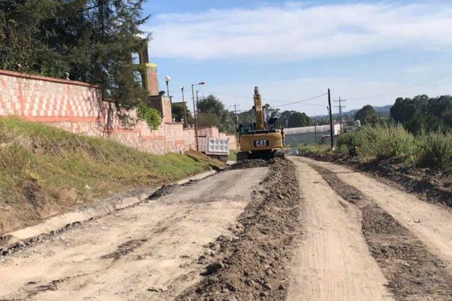 Zambrano Cervantes gestiona la rehabilitación de tres importantes carreteras
